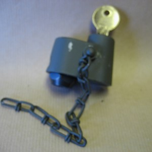 SPARE WHEEL LOCK ASSEMBLY