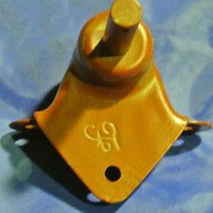 BRACKET, SHOCKABSORBER REAR RH GPW